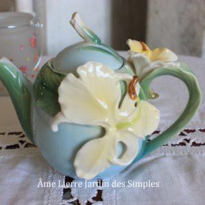 «Belle Orchidée» Ravissante théière